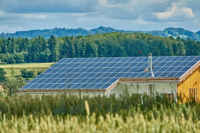 """Сонячна електростанція під """"Зелений"""" тариф: ціни знижено!"""